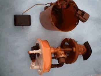 Bomba de gasolina vista laterl